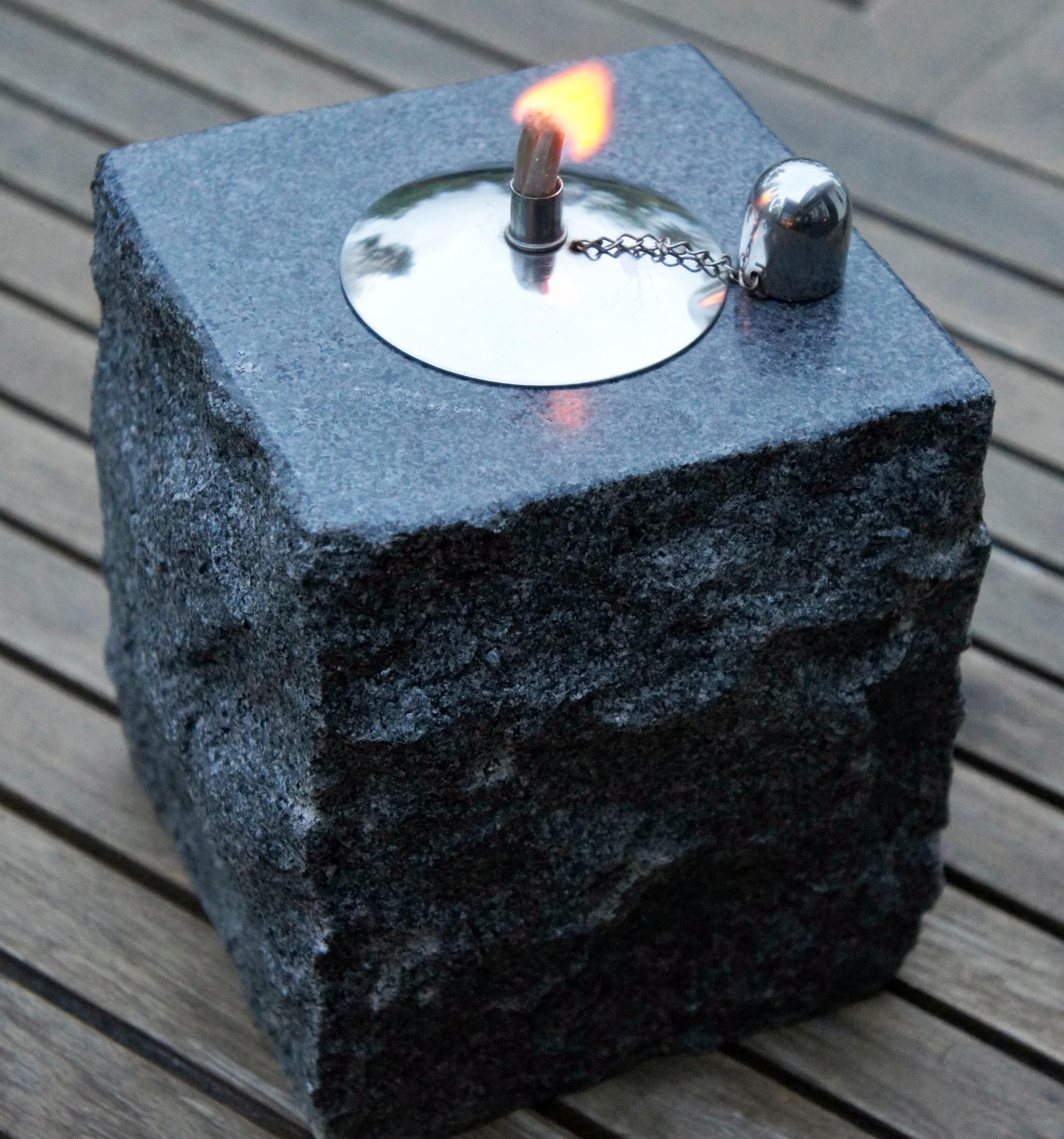 En vansinnigt snygg granitoljelampa