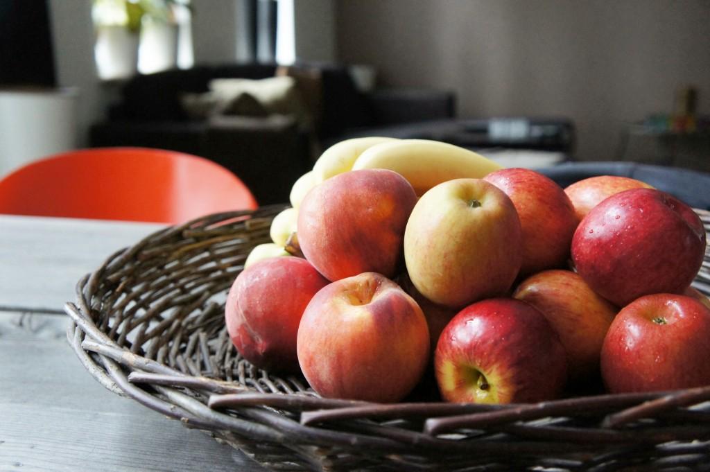 Härligt med massor av frukt hemma