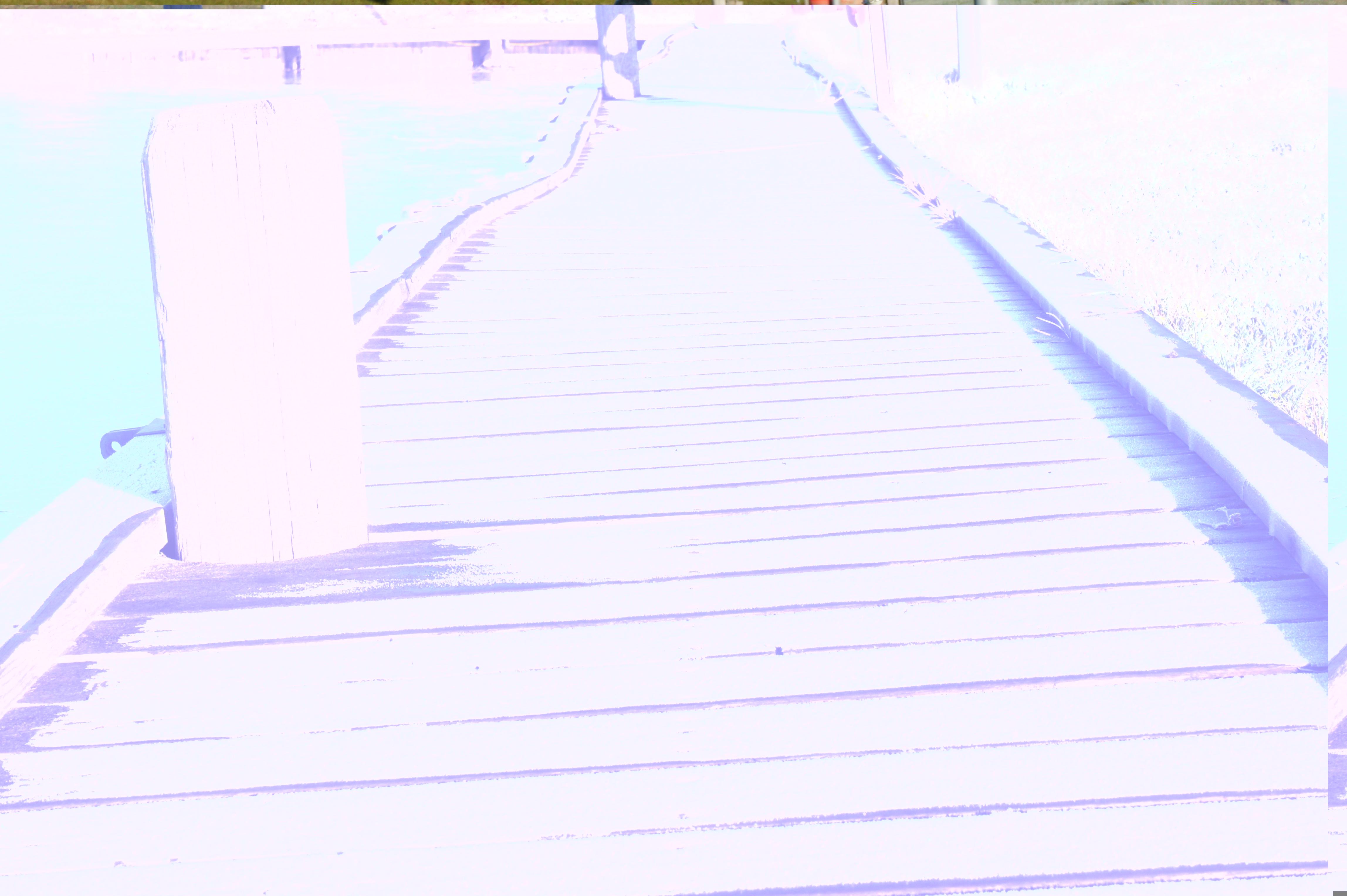 Frostbeklädd brygga
