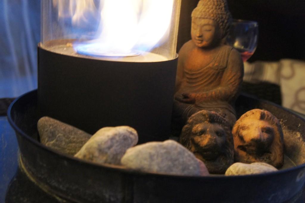 Oljelampa Cervera, Buddha och lejon från Zetas