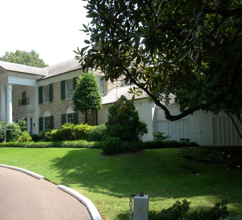 Graceland R DSCN4632