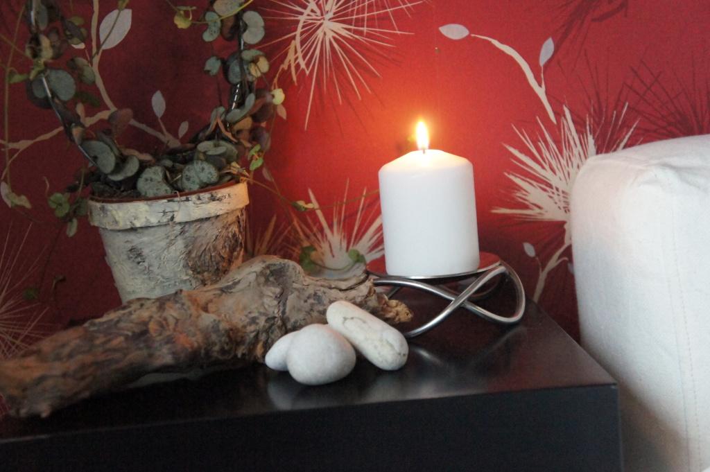 Kruka och blomma blomsterlandet, stenar från Öland, ljusstake Georg Jensen