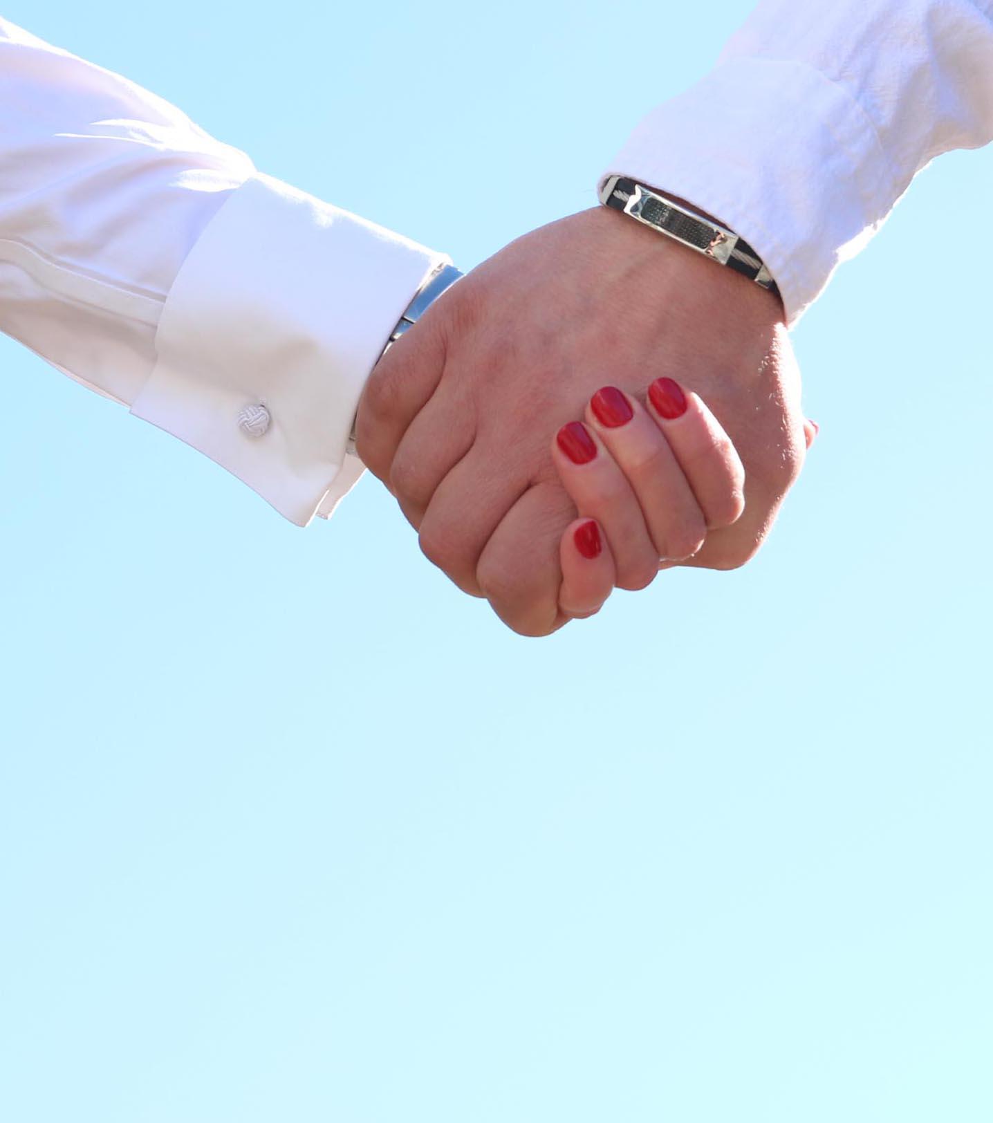 Han tog min hand och vann mitt hjärta