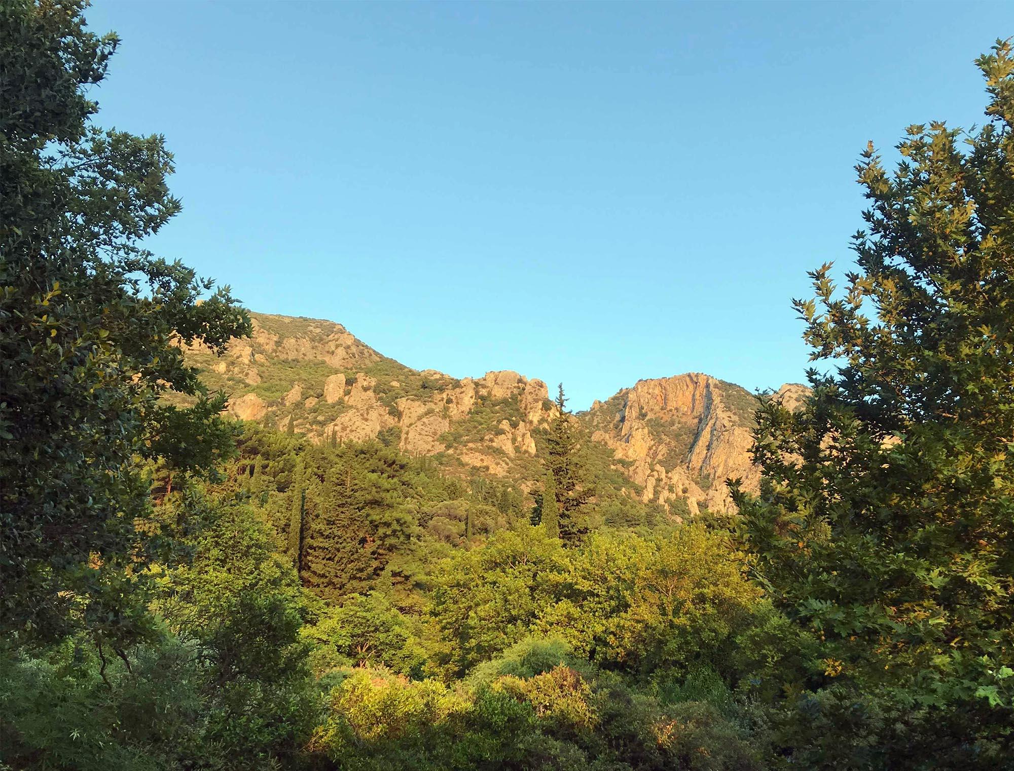 Löptur i bergen på Samos