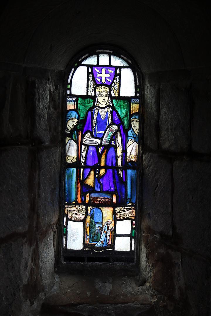 Denna bild har ett alt-attribut som är tomt. Dess filnamn är IMG_7880-Edinburgh-castle-kapell-x.jpg