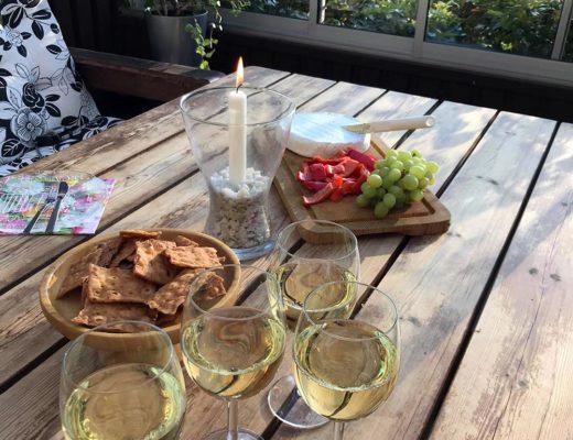 En inbjudan till ett glas vin