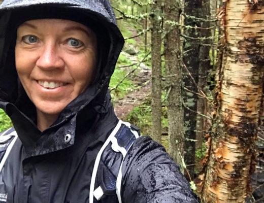 Nöjd och glad på tur i Glaskogen trots regn