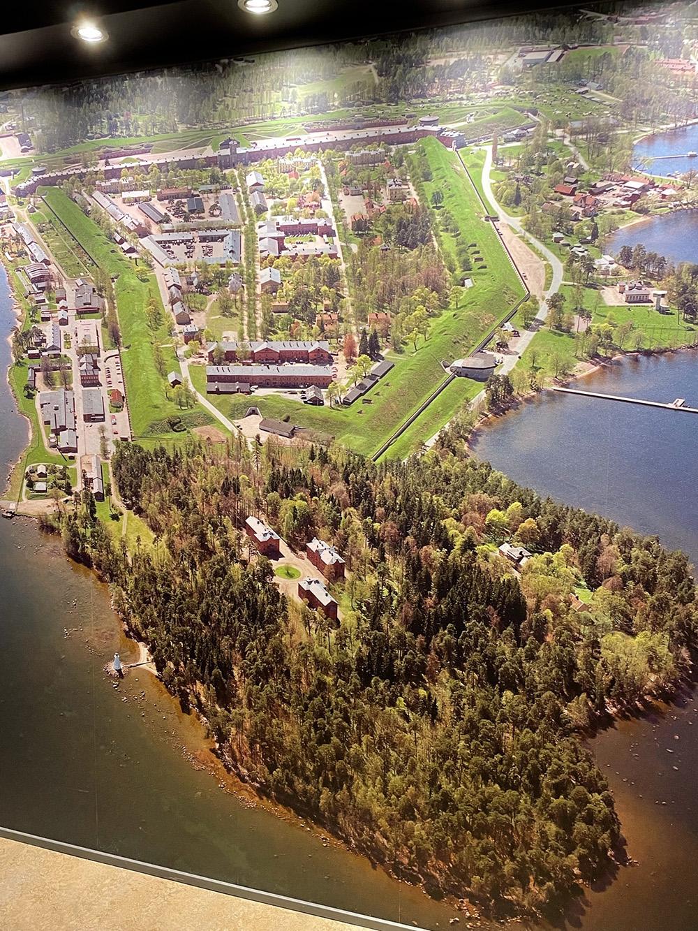 Karlsborgs fästning var en stad i staden