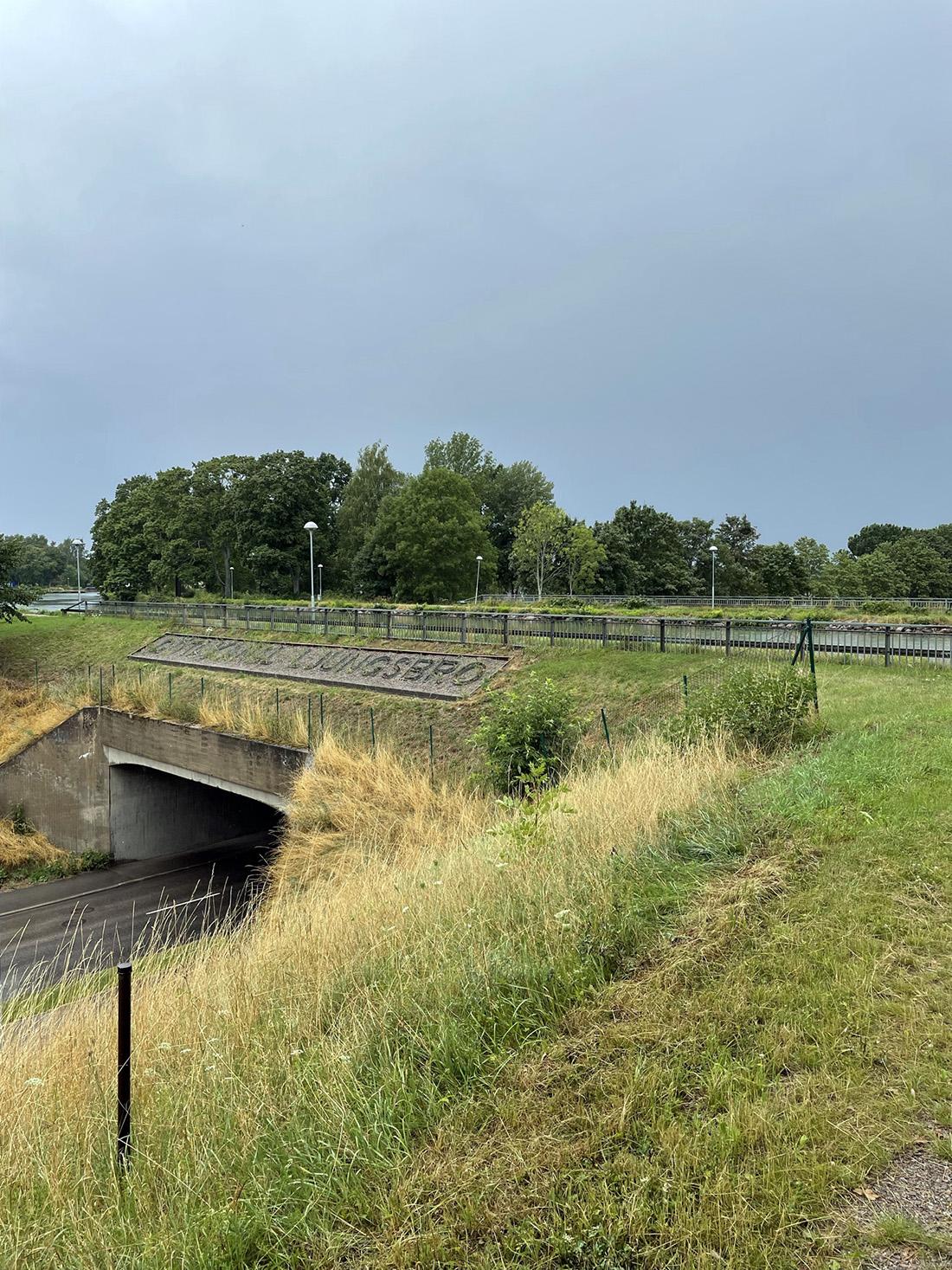 Slussar och akvedukter längs Göta Kanal